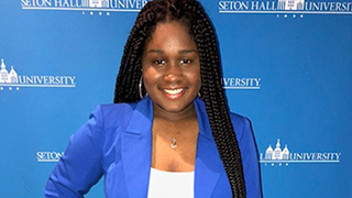 Senior, Nia Green, receives 2018 Normandy Academy Fellowship x320