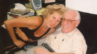 Psychologists Albert Ellis and Debbie Joffe Ellis have championed a form of cognitive behavior therapy, known as REBT.