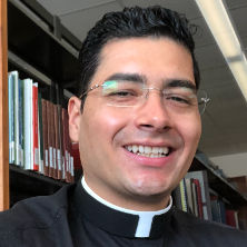 Headshot of Rev. Duverney Bermudez.